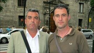 antonio-barroso-and-juan-luis-moreno-took-their-story-to-the-papers